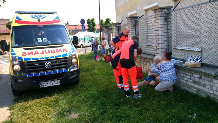 ambulans, karetka, pogotowie